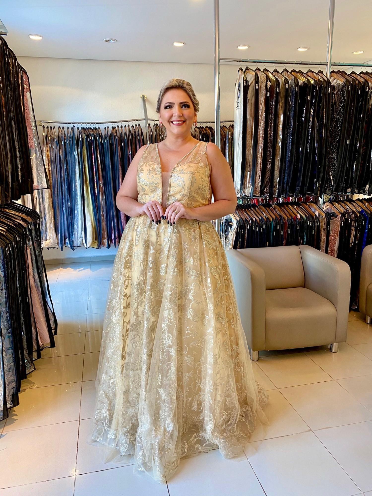 Vestido Longo Dourado Plus Size